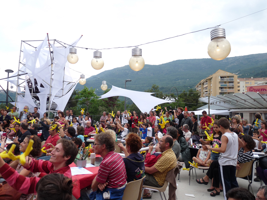 Lycra tendu aérien festival Roulez Carros